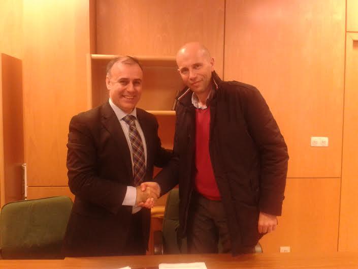 Firma Convenio colaboracion entre  Fundación E.U. de Relaciones Laborales y la AHCMN